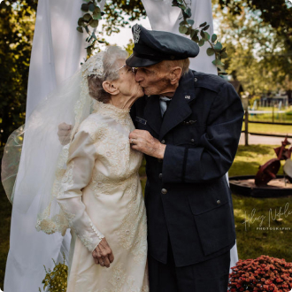 Good Talk Tribune | from CBS News, Frankie King didn't have a gown or photographer on her wedding day in 1944, so her hospice caregiver helped arrange a wedding redo, 77 years later. BY CAITLIN O'KANE